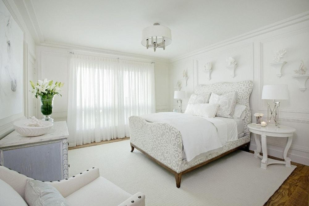 Trang trí phòng ngủ bằng tone màu trắng tinh tế